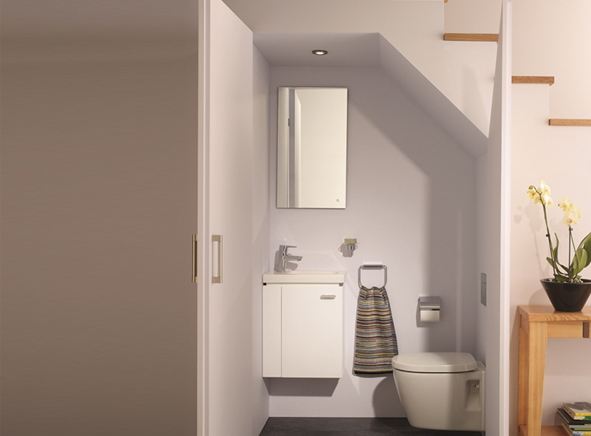 Ways to fit an extra bathroom under the Stairs!